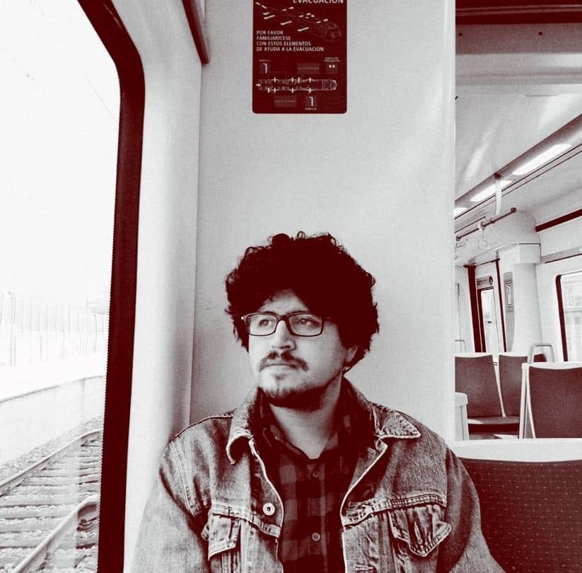 """Mauricio Tapia Rojo: """"La televisión marcó por mucho tiempo las pautas culturales y políticas de los chilenos"""""""